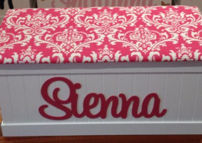 Sienna hot pink damask