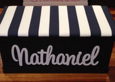 Nathaniel dark stain/navy&white stripes