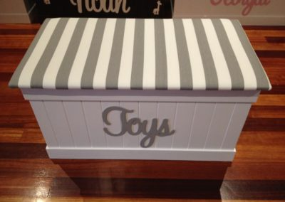 toys script/grey & white stripes